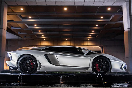 Lamborghini Aventador thửa riêng cho Thành Long - 2
