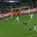 Bóng đá - Pha bỏ lỡ không tưởng của Dortmund