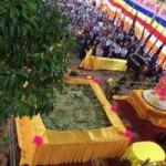 Tin tức trong ngày - Bánh chưng lớn nhất Việt Nam dâng cúng các vua Hùng