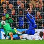 """Bóng đá - NHM tâng bốc Chelsea, """"dìm hàng"""" Real"""