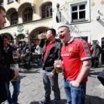 Bóng đá - Sôi động C1: CĐV MU vui vẻ ở Munich