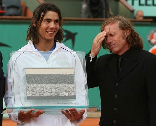 """Vì sao Nadal là """"Vua đất nện""""? - 3"""