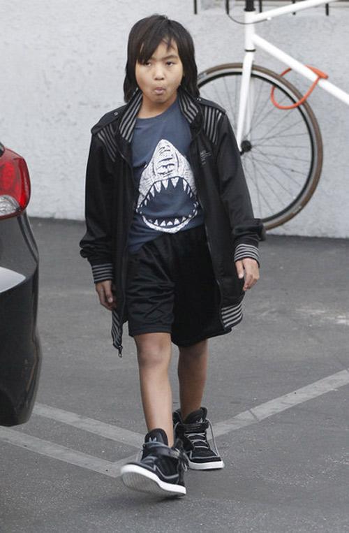 Paris Hilton vô tình hớ hênh vì váy mỏng - 12