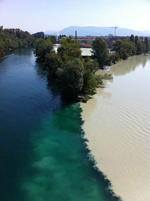 Đẹp lạ những dòng sông có hai màu tương phản - 10