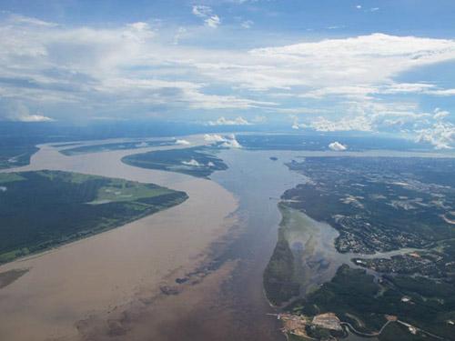 Đẹp lạ những dòng sông có hai màu tương phản - 5
