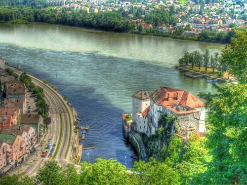 Đẹp lạ những dòng sông có hai màu tương phản - 9