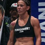 """Thể thao - """"Người máy"""" MMA thách thức người đẹp UFC Rousey"""
