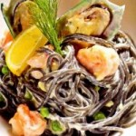 Ẩm thực - Pasta đen hải sản: Món ngon mang hương vị biển