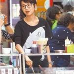 Phim - Bất ngờ vì người đẹp Hồng Kông bán hàng vỉa hè