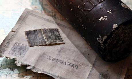 Lá thư trong chai lênh đênh 101 năm trên biển - 2