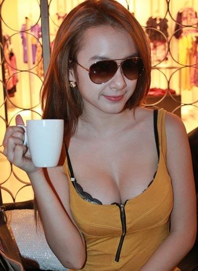 Người đẹp Việt vỗ ngực tự khoe nhan sắc - 1