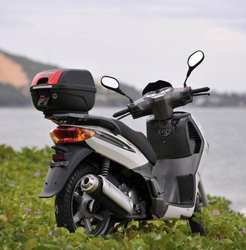 Đối thủ của Honda SH Việt bị chê xấu dù chưa ra mắt - 2