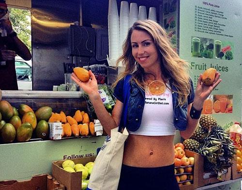 Thiếu nữ dáng chuẩn ăn 51 quả chuối mỗi ngày - 5