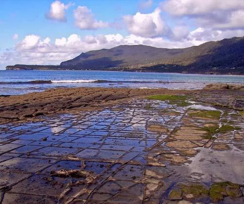 Vỉa hè lát đá ngoạn mục ở hòn đảo Tasmania, Úc - 2