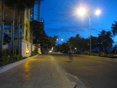 Phố biển Nha Trang miền đất níu chân du khách - 1