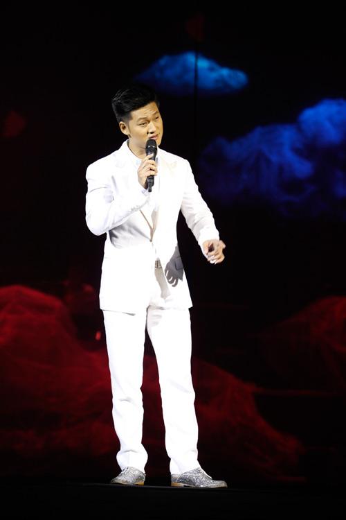 """Tùng Dương """"quái dị"""" với nhạc Trịnh - 17"""