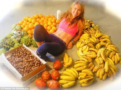 """""""Choáng"""" vì bà mẹ ăn 51 quả chuối mỗi ngày để giảm cân - 3"""