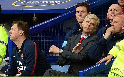 HLV Wigan quyết cho Wenger rời Arsenal - 1