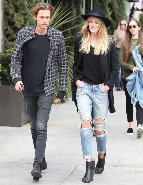 Học lỏm sao Hollywood mặc jeans rách ngày hè! - 15