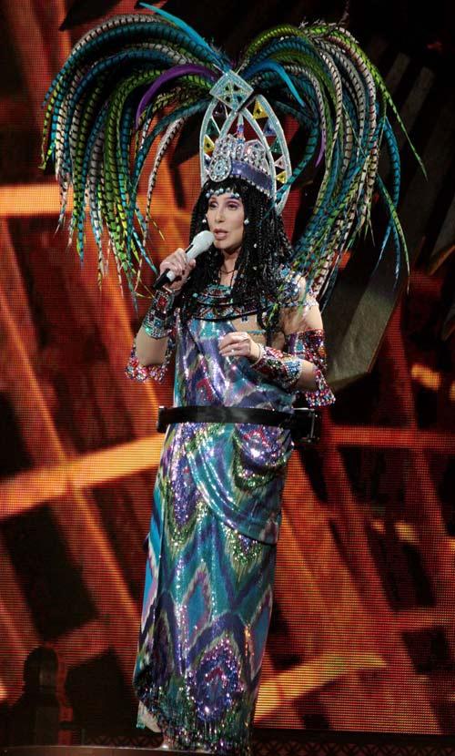 67 tuổi, diva Cher vẫn gây sốc - 6