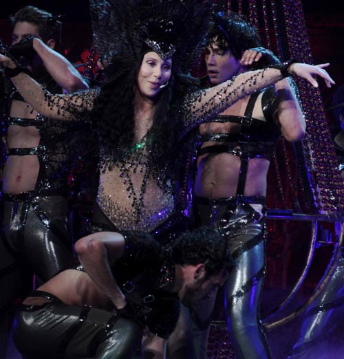67 tuổi, diva Cher vẫn gây sốc - 8