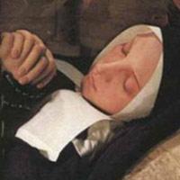 Chuyện ly kì về thánh nữ bất tử