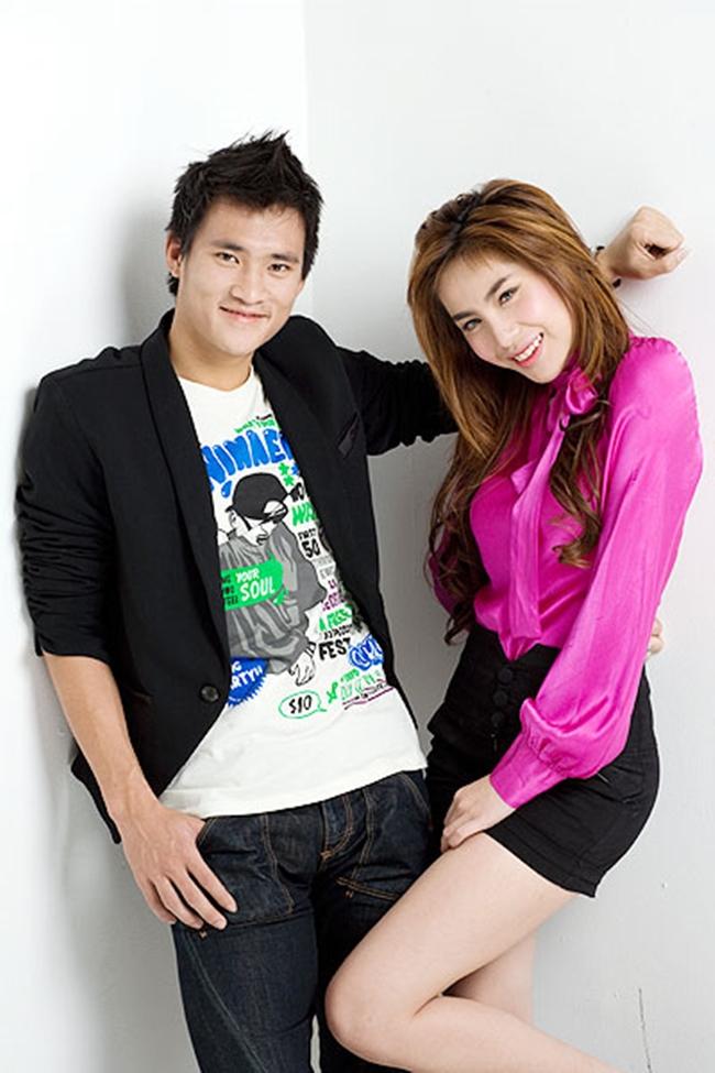 Công Vinh và Thủy Tiên quen nhau từ một buổi chụp ảnh cho một tờ báo teen vào năm 2008.