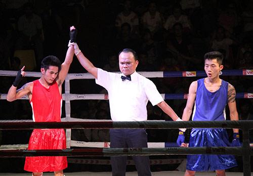 Nữ võ sĩ đổ máu ngày khai màn giải võ Việt - 8