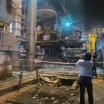 Tin tức trong ngày - Vụ nổ nhà máy thép: Nước thép 1.500 độ C bắn như pháo bông