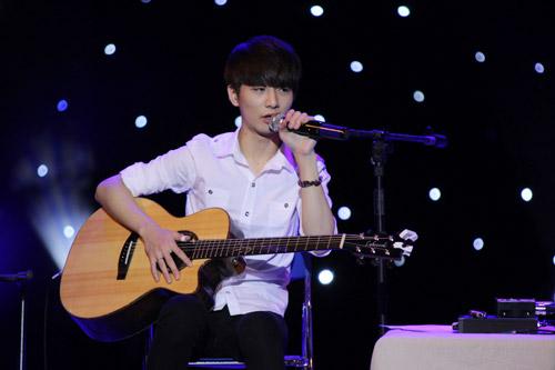 Văn Mai Hương như búp bê bên thần đồng guitar Hàn - 10