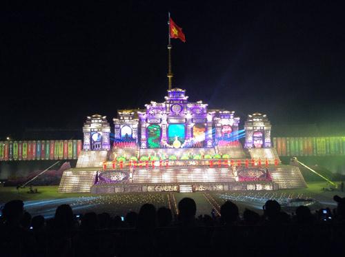 Khai mạc Festival Huế 2014:  Hoành tráng, ấn tượng - 3