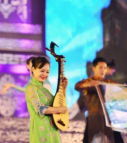 Khai mạc Festival Huế 2014:  Hoành tráng, ấn tượng - 6