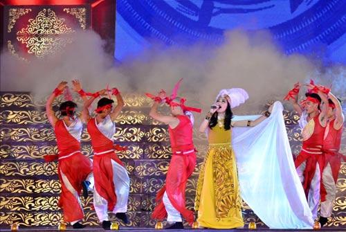 Khai mạc Festival Huế 2014:  Hoành tráng, ấn tượng - 8