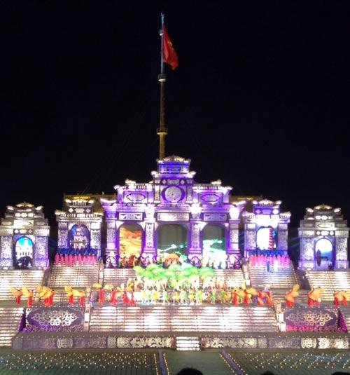 Khai mạc Festival Huế 2014:  Hoành tráng, ấn tượng - 2