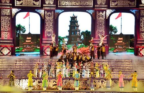 Khai mạc Festival Huế 2014:  Hoành tráng, ấn tượng - 4