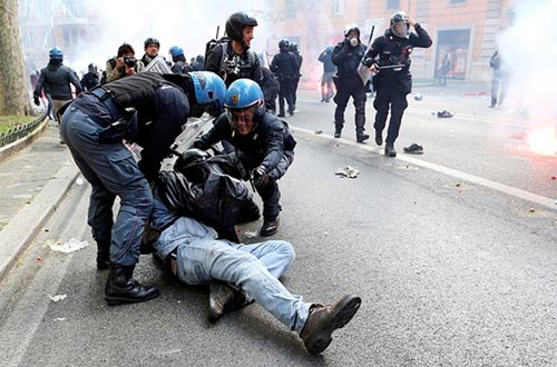 Italia: Rome tê liệt vì biểu tình chống chính phủ - 2