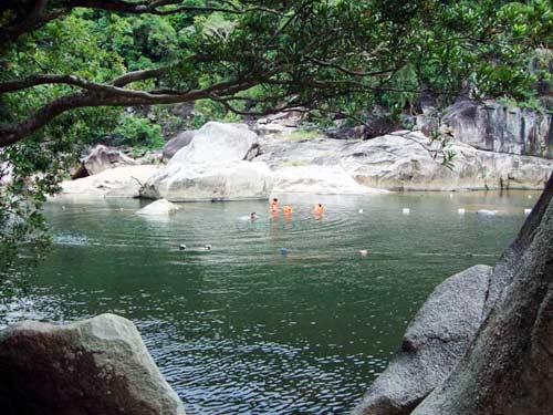 Thiên nhiên kì ảo trên dòng sông Hầm Hô, Bình Định - 14