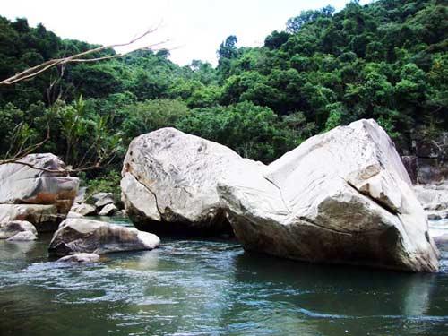 Thiên nhiên kì ảo trên dòng sông Hầm Hô, Bình Định - 10