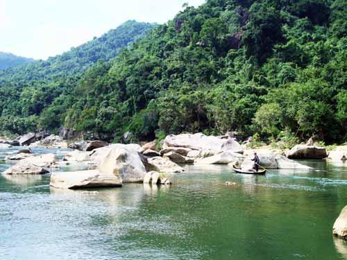Thiên nhiên kì ảo trên dòng sông Hầm Hô, Bình Định - 1