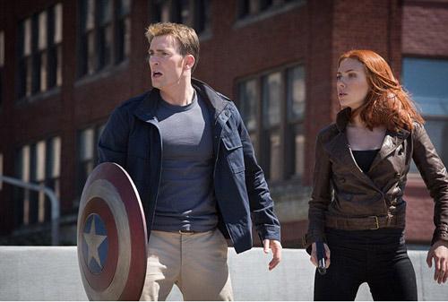 "Captain America 2 ""nghiền nát"" Vẹt Rio 2 - 1"