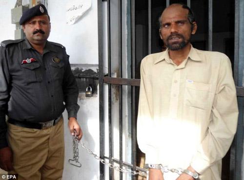 Pakistan: Bắt kẻ ăn thịt hơn 100 xác chết - 3