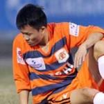 """Bóng đá - Cầu thủ V.Ninh Bình khóc xin bầu Trường """"đặc xá"""""""