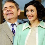 """Phim - """"Mr. Bean"""" yêu gái trẻ đáng tuổi con"""