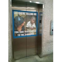 """Video quay trộm trong """"thang máy thông minh"""""""