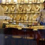 Phi thường - kỳ quặc - Phát hiện 12 thỏi vàng trong bụng người đàn ông