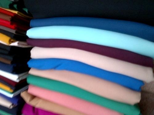 Kinh nghiệm chọn vải may quần cho nữ công sở - 2