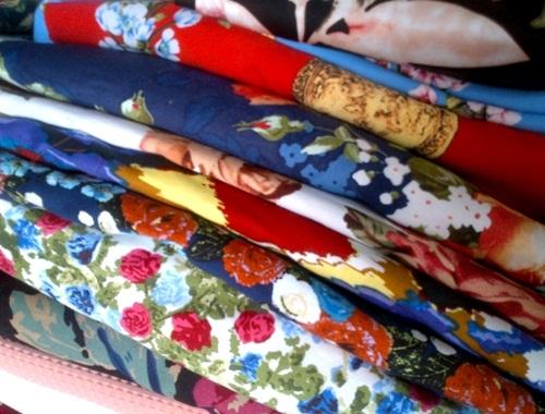 Kinh nghiệm chọn vải may quần cho nữ công sở - 5