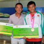 Thể thao - HLV Trần Đức Quỳnh bức xúc với án kỷ luật của VTF