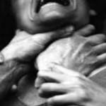 An ninh Xã hội - Chồng bóp cổ vợ đến chết rồi bỏ trốn