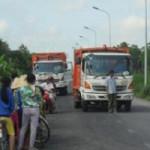 Tin tức trong ngày - Hơn 100 người chặn xe… không cho đổ rác